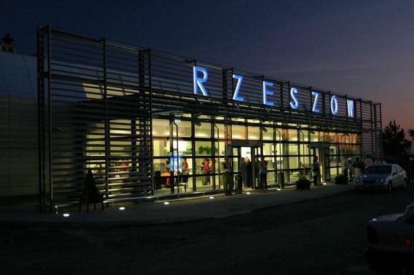 źródło zdjęcia: www.rzeszowairport.pl